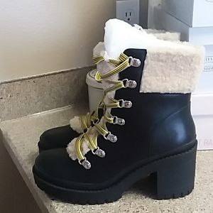 Steve Madden Bundle Up Boot Size 8